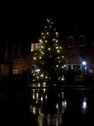 Weihnachtsbaum Ortsmitte Flecken Brome